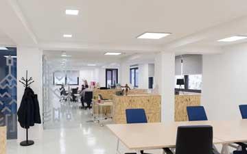 LED paneler i kontorslandskap