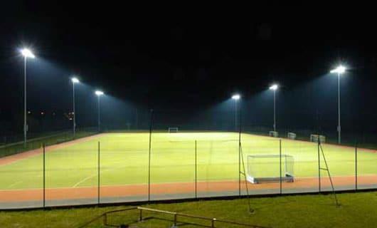LED belysning på fotbollsplan - ett driftsäkert och pålitligt alternativ
