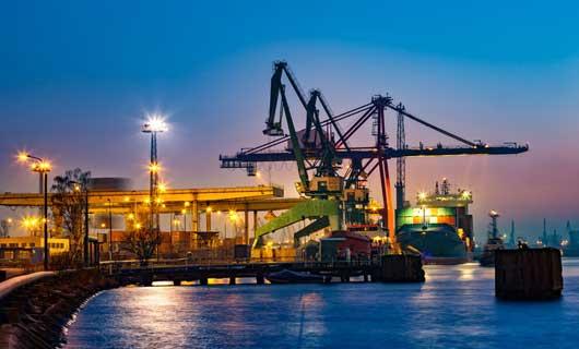 LED belysning för hamnar och fartyg