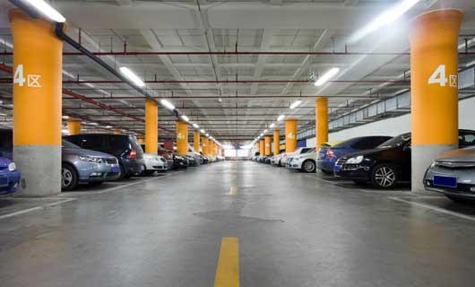 LED belysning i parkeringsgarage