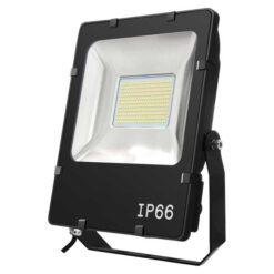 LEDstrålkastare 50W IP66 snett framifrån